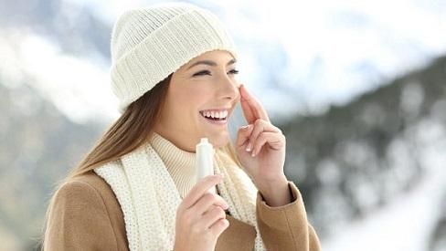 Mùa đông có cần thoa kem chống nắng?