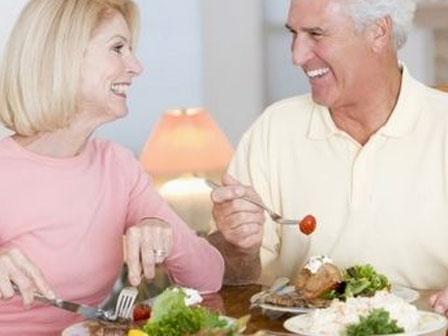 Những điều cần biết về suy dinh dưỡng ở người lớn tuổi