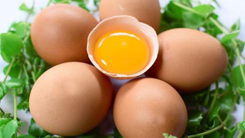"""Trứng gà và những sai lầm """"chết người"""" khi ăn trứng gà"""