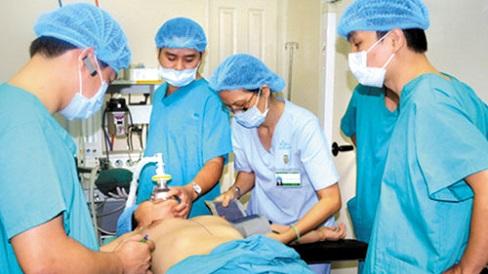 Những tai biến nguy hiểm có thể xảy ra do phẫu thuật nâng ngực