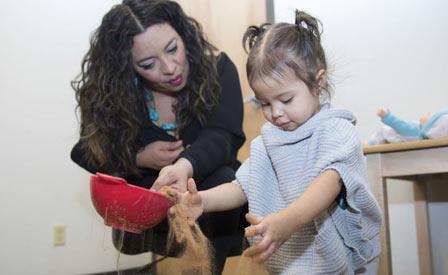 Vui chơi rất có lợi trong việc trị liệu tâm lý cho trẻ