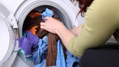 Vì sao máy giặt có thể khiến bạn 'ốm yếu, xấu xí' hơn?