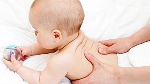 Tổng hợp các cách chữa nấc cho trẻ sơ sinh hiệu quả mẹ không nên bỏ qua
