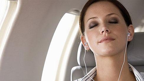 Chóng mặt, rối loạn tiền đình vì những thói quen này khi đeo tai nghe