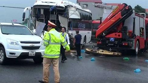 Tranh cãi vụ xe cứu hỏa đi ngược chiều cao tốc