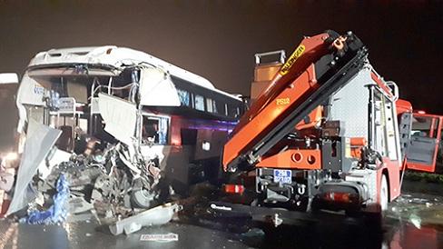 Xe khách chạy trong giới hạn tốc cho phép khi đâm xe cứu hỏa chạy ngược chiều