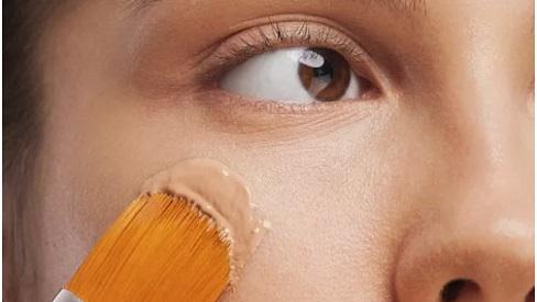4 mẹo nhỏ cho bạn dùng mỹ phẩm vô tư mà không lo da bị mụn quấy rầy