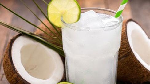 Tác dụng phụ kinh khủng ít người biết của nước dừa