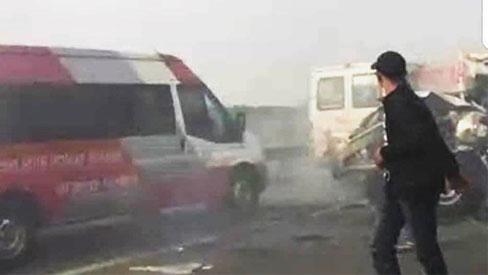 Khói đen bao trùm gây tai nạn liên hoàn trên cao tốc TP.HCM - Long Thành - Dầu Giây