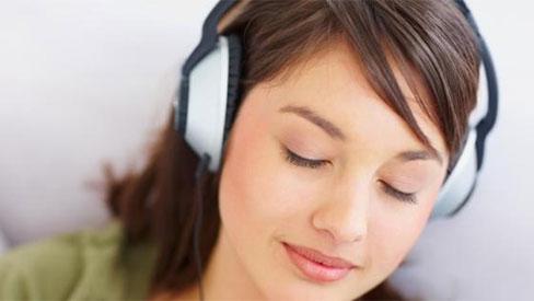 5 tác hại cực nguy hiểm khi đeo tai nghe mỗi ngày bạn cần biết