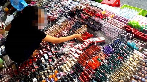 Mỹ phẩm giả tung hoành hầu hết các chợ và cửa hàng tại Việt Nam