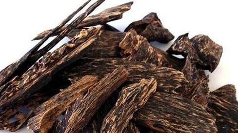 Trầm hương: vị thuốc trị tiêu chảy, nam giới thận hư