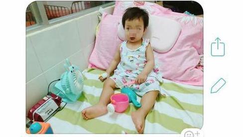 Bố mẹ bất ngờ vì con bị viêm màng não, nguyên nhân từ thói quen khi gặp trẻ của người lớn