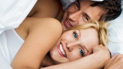 Sex thường xuyên sẽ chống mất ngủ