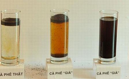 Cách phân biệt cà phê thật cực đơn giản, không còn nỗi lo mua nhầm hàng kém chất lượng tẩm nhuộm pin độc hại