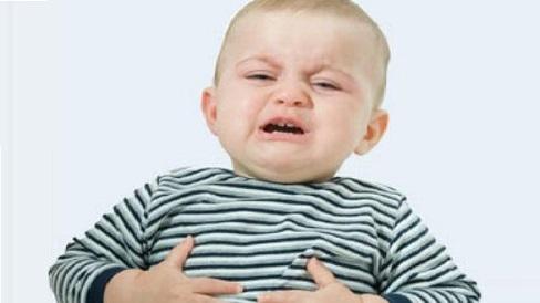 Trẻ đau bụng rất nguy hiểm, bố mẹ chớ chủ quan mà tự điều trị ở nhà