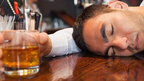 Không chỉ tự làm tổn thương gan uống bia rượu còn mắc 7 loại ung thư