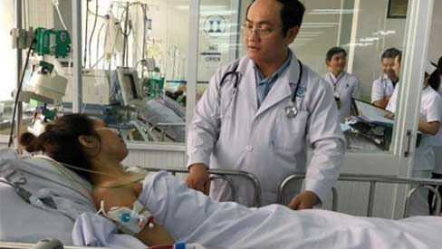 Người mẹ đơn thân nuôi 3 con rơi vào hôn mê vì… cảm cúm