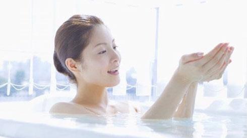 Đừng dại mà tắm vào những thời điểm này kẻo đột quỵ lúc nào không hay