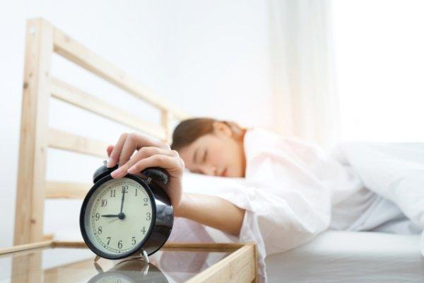 6 thói quen tưởng vô hại nhưng ngấm ngầm phá hoại buổi sáng của bạn-1