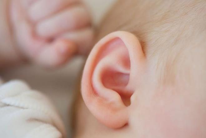 Chuyên gia hướng dẫn cách phòng trị viêm tai giữa cho trẻ nhỏ-1