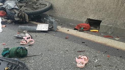 Bé gái 4 tuổi tử vong dưới bánh xe ben, mẹ nguy kịch