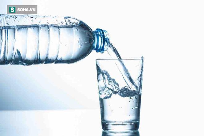 Cách uống nước để điều trị căn bệnh nguy hiểm nhất thế giới: Già trẻ đều nên tham khảo-1