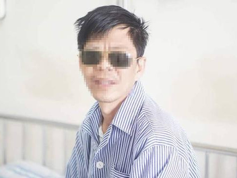 Chủ quan với bệnh bướu cổ, một bệnh nhân bị loét giác mạc, mất thị lực hoàn toàn