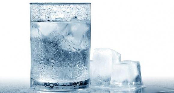 Mùa hè, lúc nào bạn nên uống nước lạnh, lúc nào nên uống nước ấm?-3