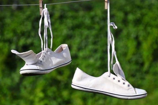 Mách cách giặt giày thể thao một phút xong ngay mà lại sạch thơm như mới-8
