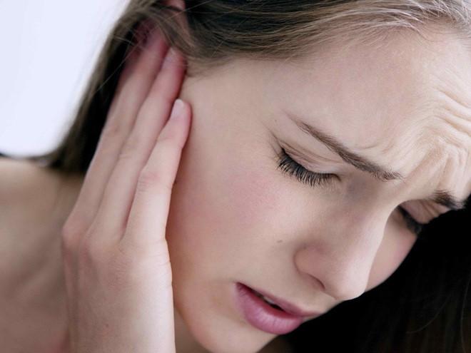 Nguy cơ điếc đột ngột vì sai lầm khi đeo tai nghe-2