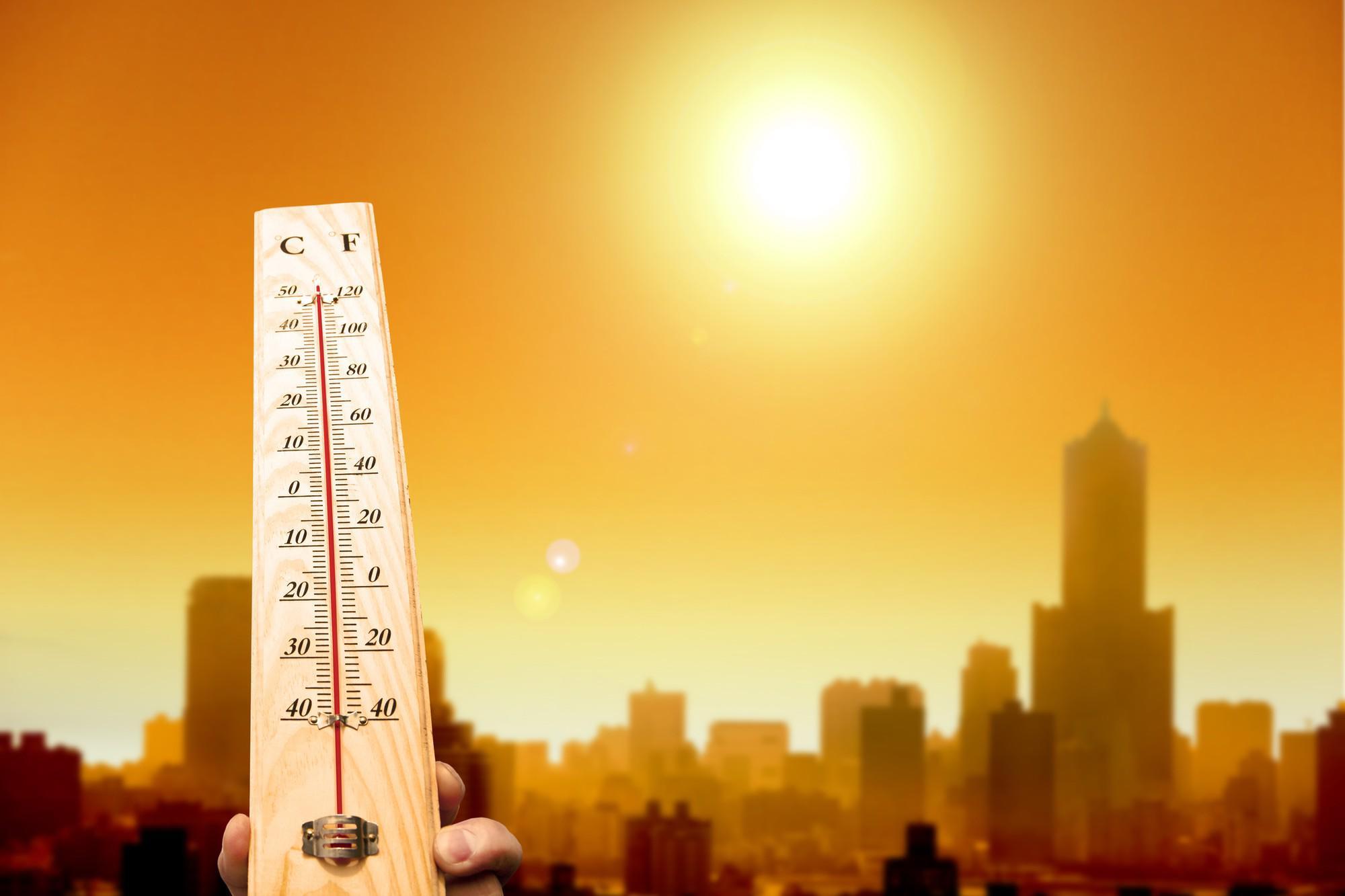 Tin mới thời tiết 30/6: Nắng nóng gay gắt ở Bắc Bộ, Trung Bộ có thể kéo dài cả tuần-1