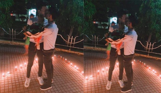 Màn cầu hôn ngọt ngào của hai chàng trai gây sốt mạng xã hội