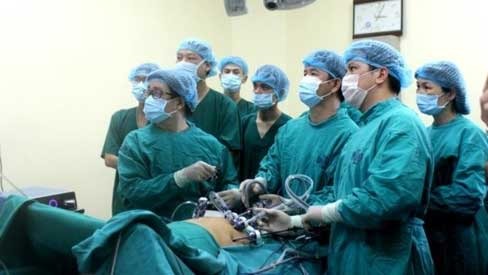 Phẫu thuật thành công u gan đa ổ bằng phương pháp nội soi