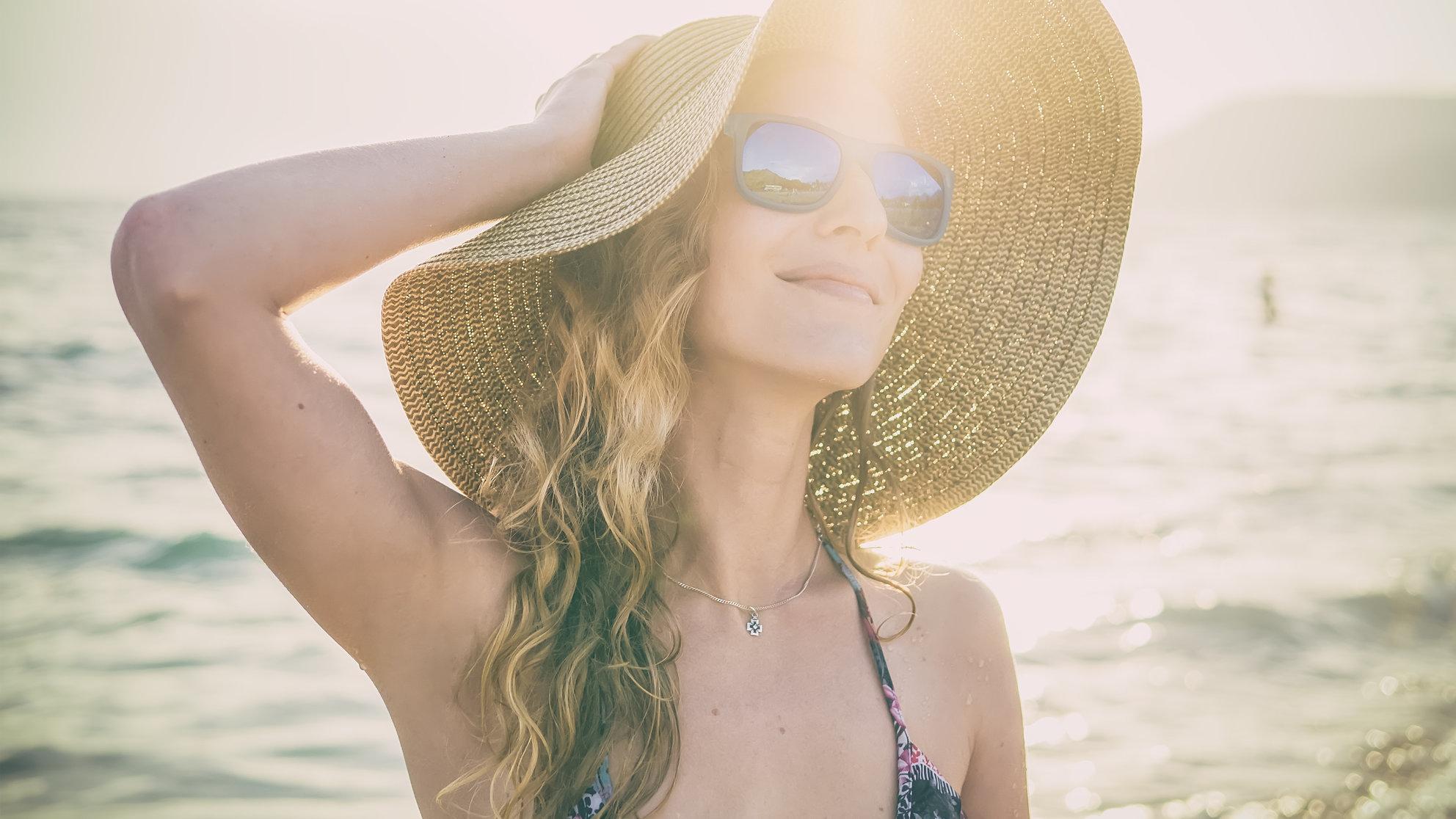 Mẹo hay bảo vệ mái tóc khỏi hư tổn ngày hè-1