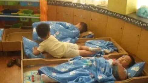 Bé trai 5 tuổi tử vong sau giấc ngủ trưa ở trường, nguyên nhân nhiều cha mẹ mắc phải