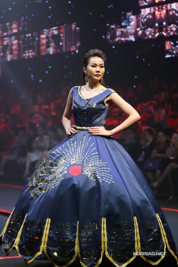 Võ Hoàng Yến, Thanh Hằng đọ khả năng catwalk-5
