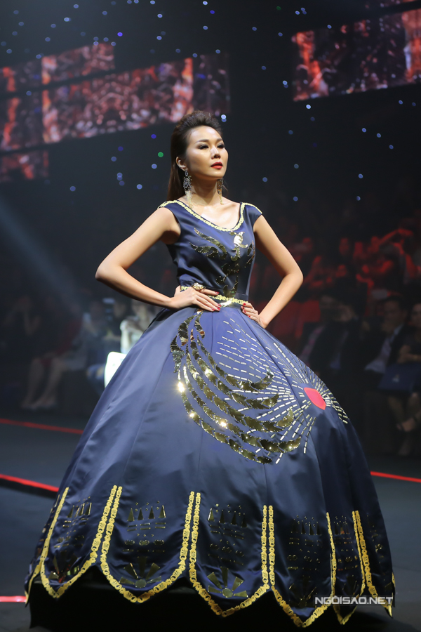 Võ Hoàng Yến, Thanh Hằng đọ khả năng catwalk-6