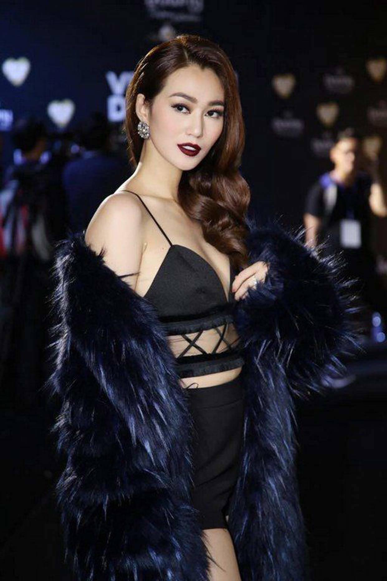 Chưa rét nhưng hàng loạt sao Việt đã chịu nóng để diện áo lông cho sang?-13