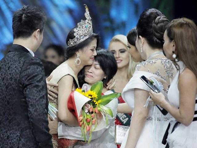 """Tiết lộ sốc"""" về Phương Khánh sau phút đăng quang Hoa hậu Trái đất-2"""