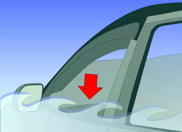 Kỹ năng thoát hiểm khi ôtô rơi chìm xuống nước-4