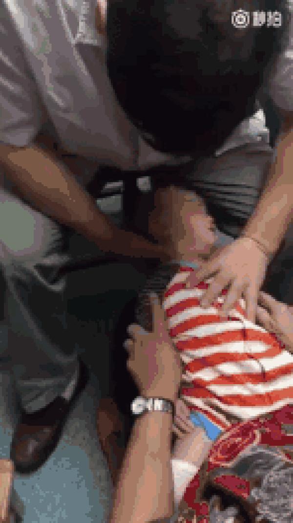 Bé 3 tháng tuổi chết sau khi massage, cảnh báo những trường hợp không được massage cho trẻ-2
