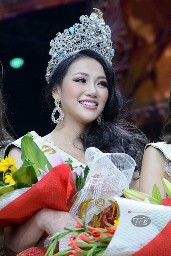 Dân mạng ngỡ ngàng trước loạt ảnh quá khứ khác xa hiện tại của tân Hoa hậu Trái đất Phương Khánh-1