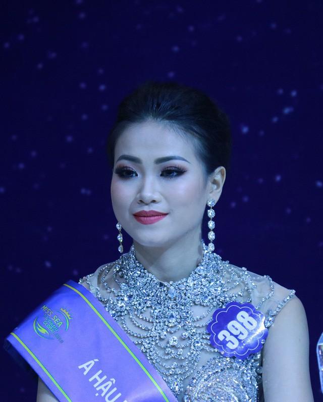 Dân mạng ngỡ ngàng trước loạt ảnh quá khứ khác xa hiện tại của tân Hoa hậu Trái đất Phương Khánh-10