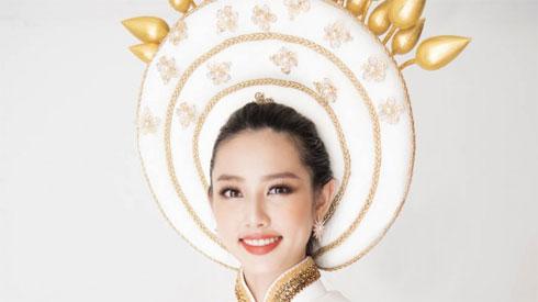 Thuỳ Tiên hé lộ trang phục truyền thống khi vừa lọt top 8 nổi bật Miss International 2018