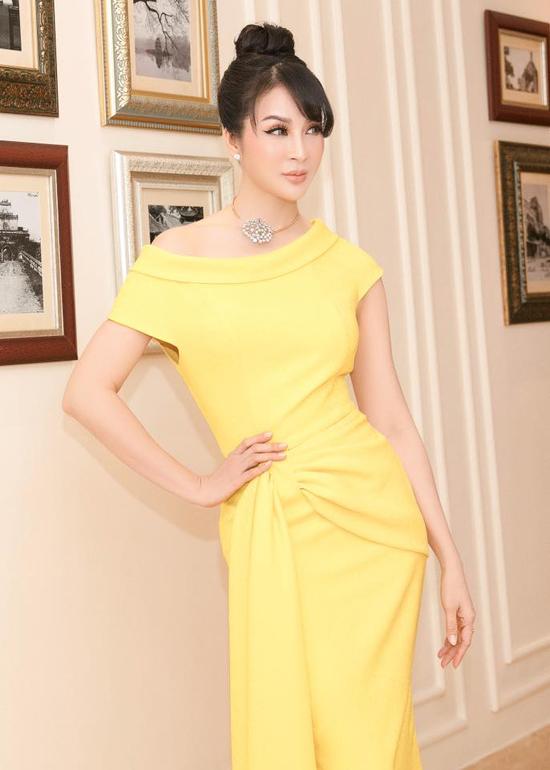 Người đẹp Việt mê mẩn váy xoắn eo-10