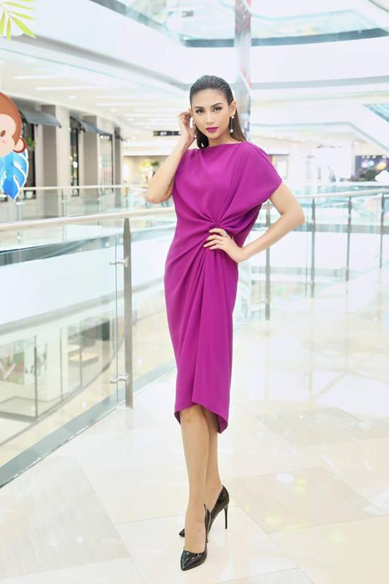 Người đẹp Việt mê mẩn váy xoắn eo-5