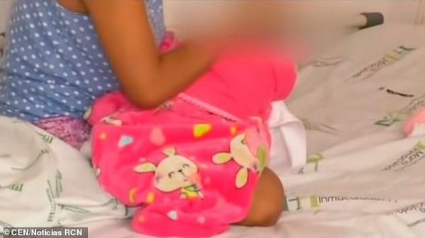 Sốc: Bé gái 10 tuổi sinh con sau khi bị anh trai cưỡng hiếp-1