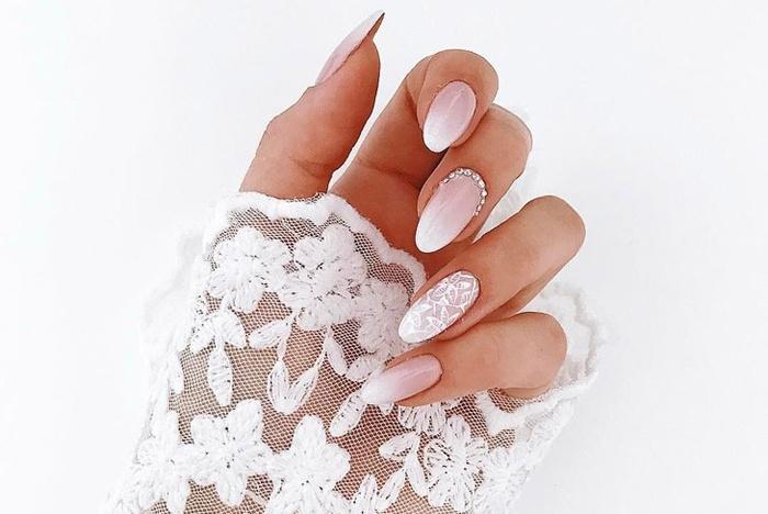 Những mẫu nail cô dâu đẹp nhất các nàng không thể bỏ qua cho ngày vui được hoàn hảo!-3