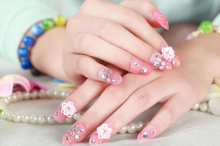 Những mẫu nail cô dâu đẹp nhất các nàng không thể bỏ qua cho ngày vui được hoàn hảo!-6